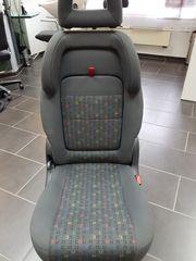 Einzelsitze integrierte Kindersitze