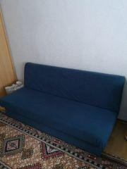 Klappsofa in blau zu verkaufen