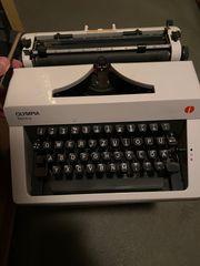 Funktionstüchtige Schreibmaschine