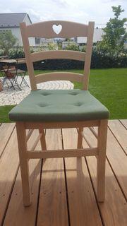 6 Stühle mit Sitzpolster zu