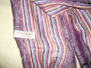 Abzugeben ist ein PASHMINA Schal