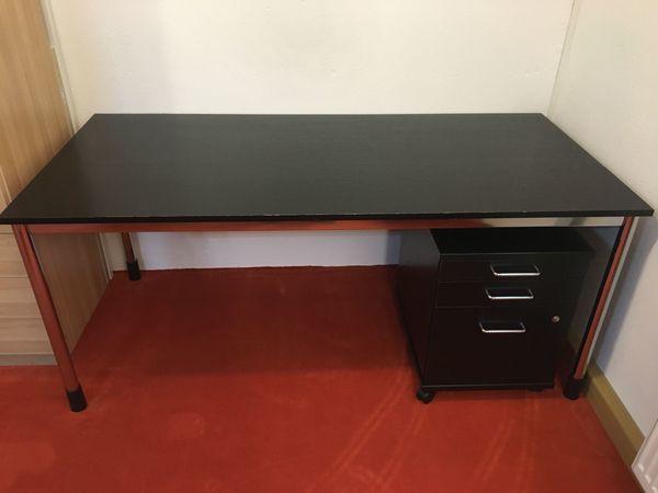 IKEA Schreibtisch und Rollcontainer