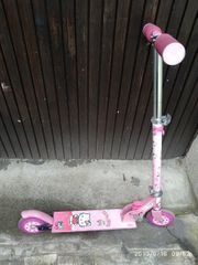 Hello Kitty Scooter Roller