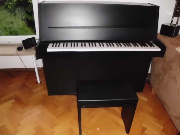 Klavier schwarz made in Germany