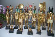 Sammlung von 10 ägytischen Götterstatuen