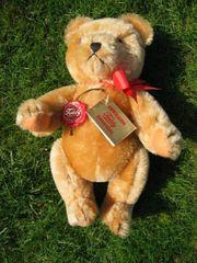 Herrmann Teddy mit Brummstimme aus