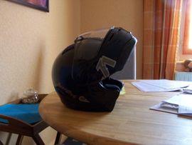 Motorrad-Zubehör: Kleinanzeigen aus Karlsruhe Weiherfeld-Dammerstock - Rubrik Motorrad-Helme, Protektoren