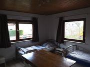 schönes möbliertes Zimmer