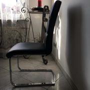 3 Stühle in schwarz