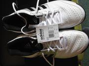 2 Paar nagelneue adidas Tennisschuhe