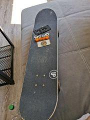 Skateboard mit super Teilen