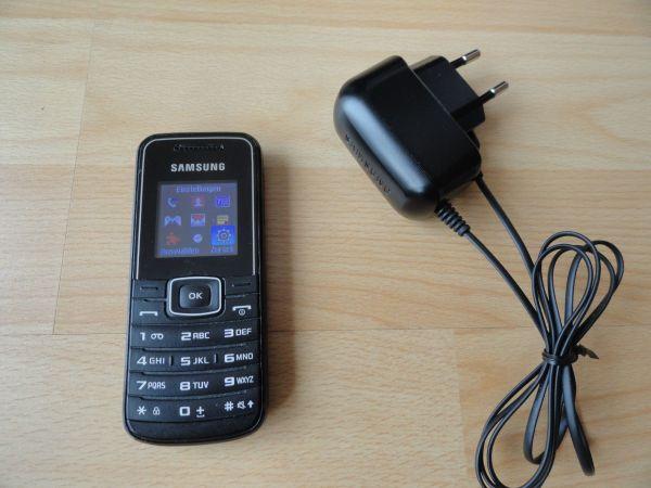 Handy Samsung GT-E1050V