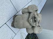 Stein Troll Hände hoch Knom