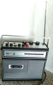 Kleines Kofferradio m Cassette - Bastlergerät -
