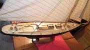 Segelschiff AM Columbia als Holzmodell