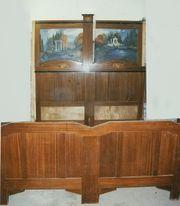 Schlafzimmer fast 100 Jahre alt