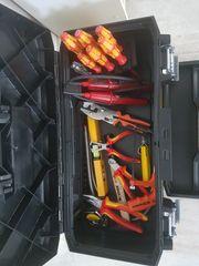 Stanley Werkzeugkoffer mit neuen Elektrowerkzeug