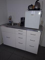 Praktische kompakte Küchenzeile 144cm breit