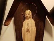 Heilige Madonna Figur im Schrein