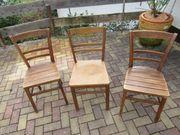 3 alte Stühle