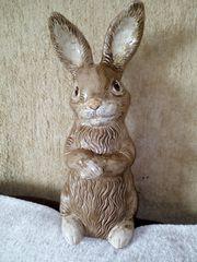 von Hand bemalter Keramik Hase