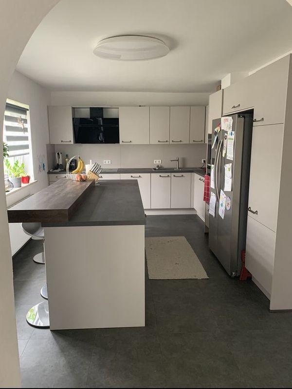 Neuwertige Einbauküche L-Form Linea Küchenblock