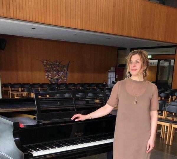 Erfahrene Musiklehrerin bietet Unterricht