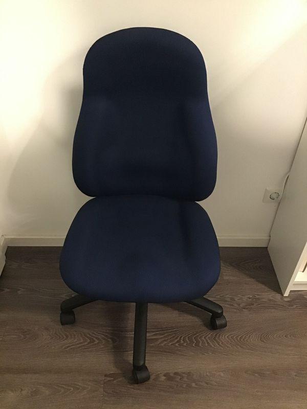 Bürostuhl blau mit Armlehnensatz