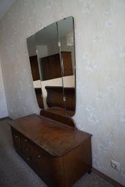 Schlafzimmerkommode mit Spiegel aus Wohnungsauflösung