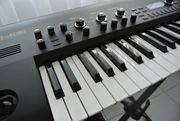 Korg King Korg Black Synthesizer