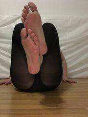 Bewunder meine Füße und werde