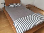 Jugendzimmer Echtholz Bett