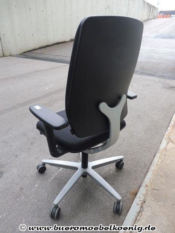 Stuhl Drehstuhl in schwarz von