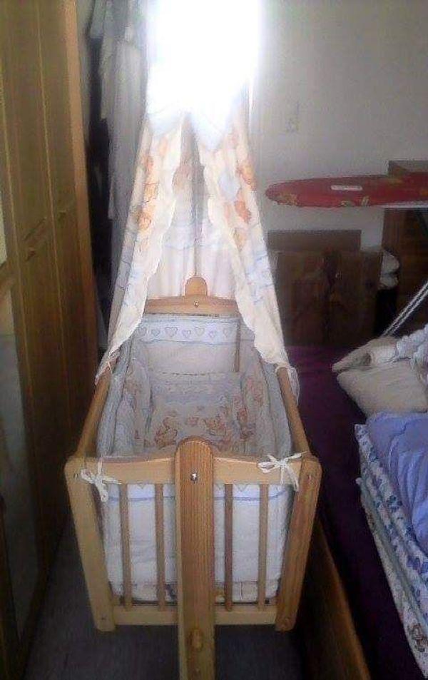 Baby Wiege Mit Himmelstange Mit Bezug Bettwäsche Und Matraze In