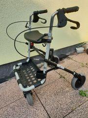 Rollator - schwarz - Sitzfläche u Korbablage -