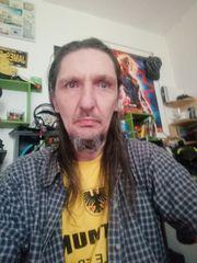 Junger 45 jähriger Mann sucht