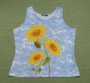 Sommer-Top mit Sonnenblumen hellblau 176