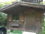 Rustikales bayerisches Holzgartenhaus günstig abzugeben