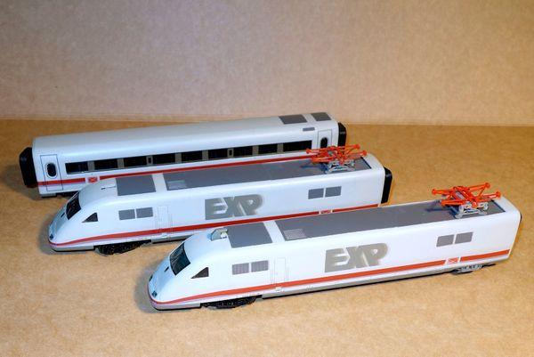 Drei Wagen Modelleisenbahn 401 507-9