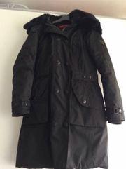 Wintermantel in schwarz von Wellensteyn