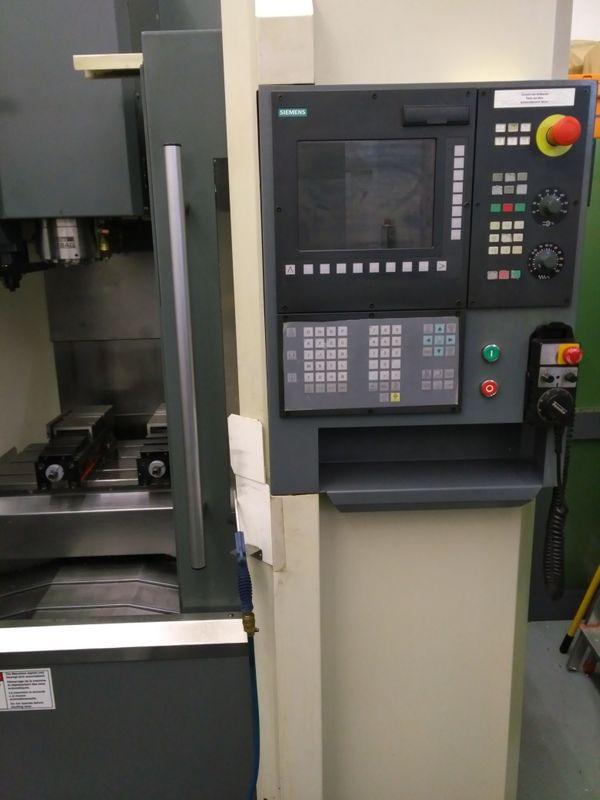 Bearbeitungszentrum CNC Fräsmaschine