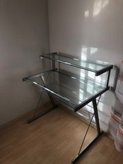 Schreibtisch aus Glas