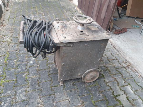Antiker funktionsfähiger Schweiß-Transformator ca 85