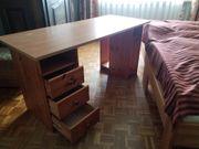Schreibtisch Bürostühle zu verschenken