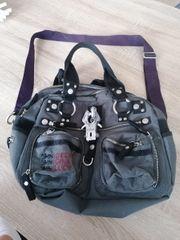 Handtasche der Marke George Gina