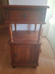 Antiker Nachttisch zu verkaufen