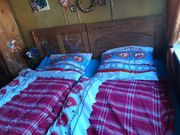 Zwei Einzelbetten aus Echtholz