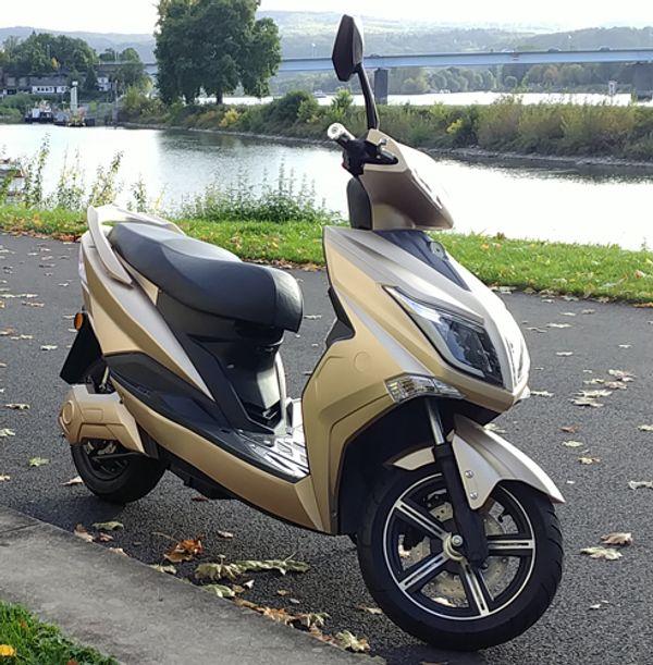 Elektroroller HAWK 3000 LI E-Scooter
