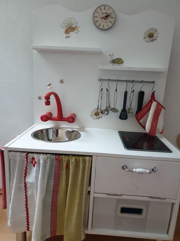 Einzigartige Kinderküche aus Holz