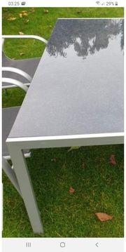 Garten Tisch mit Stühlen